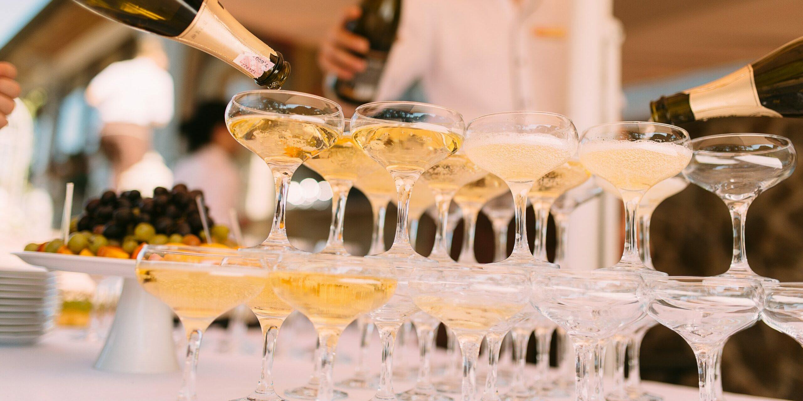 Proosten op de bruiloft   7 ideeën om de toast iets extra's te geven