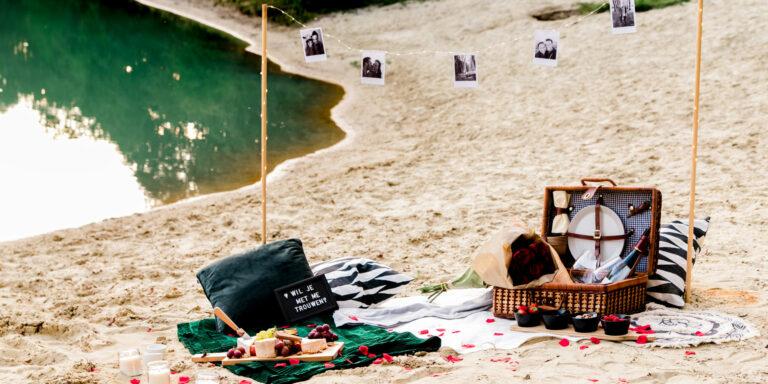 Een romantische picknick | aanzoek bij zonsondergang