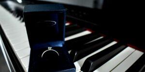 Een piano huren tijdens aanzoek
